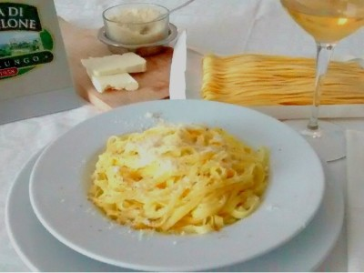 Fettuccine Alfredo