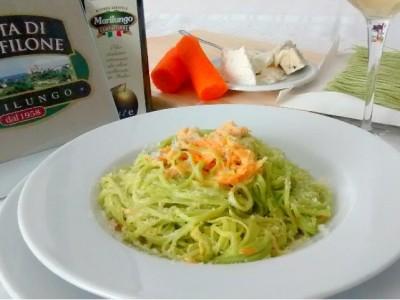 Tagliolini agli spinaci con carote e gorgonzola