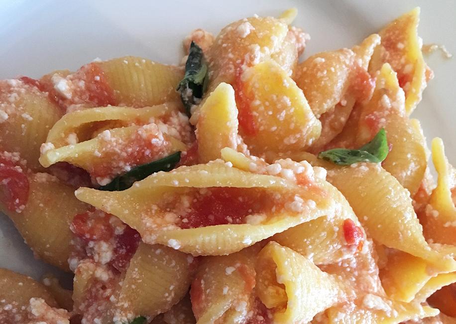 conchiglioni-marilungo-ricotta-pomodoro